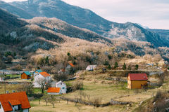 Dom w górach blisko poly Cetinje, Montenegro, aga Fotografia Royalty Free
