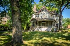 Dom w sąsiedztwie Zdjęcia Royalty Free