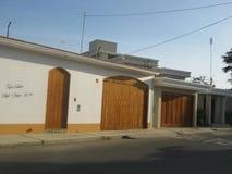 Dom w ulicie Obrazy Royalty Free