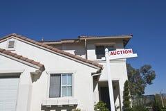 Dom Z 'aukcja znakiem' Obrazy Royalty Free