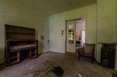 dom z klatką piersiową kreślarzi fotografia stock