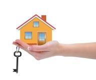 Dom z kluczami w ręce Fotografia Stock