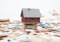 Dom z mnóstwo pieniądze Fotografia Stock