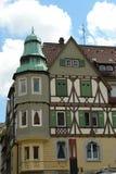 Dom z zieloną słońce storą Obrazy Stock