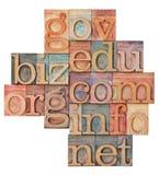 Domaines d'Internet dans le type en bois photo libre de droits