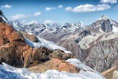 Dombai Τοπίο των δύσκολων βουνών στην περιοχή Καύκασου στη Ρωσία Στοκ Εικόνες