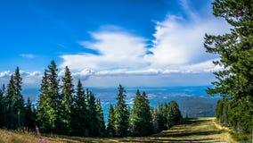 dombay κλίση σκι περιοχών Καύκασου Στοκ φωτογραφία με δικαίωμα ελεύθερης χρήσης