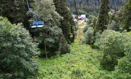 Dombay, il confine della Repubblica di Karachay-Cherkessia e dell'Abkhazia Fotografia Stock