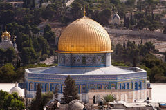 Dome of the Rock. Jerusalem's Dome of the Rock, with the Mount of Olives in the background Royalty Free Stock Photos