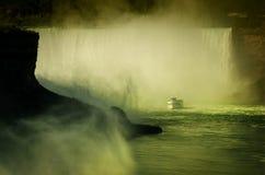 Domestique de ferry de la brume en rivière Niagara Niagara Falls Images libres de droits