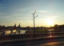 Dominare il fiume Elba e Città Vecchia di Dresda immagine stock libera da diritti