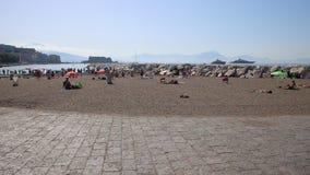 Domingo de manhã em Nápoles filme