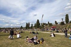 Domingo no parque Berlin Germany de Mauer imagem de stock royalty free