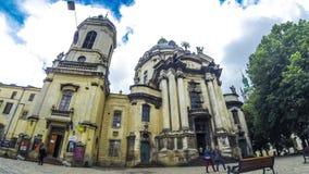 Dominicaans kerk en klooster in Lviv, de Oekraïne stock footage