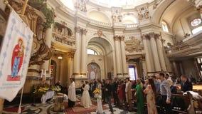 Dominikanisches Kloster und Kathedrale Lemberg nach innen stock video footage