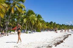 Dominikanska republiken karibiskt hav, strand av den tropiska ön Saona arkivfoton