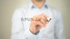 Dominio da vendere, scrittura dell'uomo sullo schermo trasparente Fotografia Stock Libera da Diritti