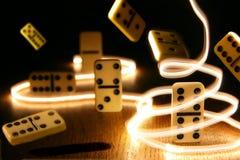 Domino比赛魔术s 库存照片