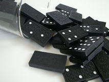 Domino落 库存照片