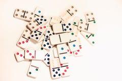 Domino con i punti colorati Fotografia Stock Libera da Diritti
