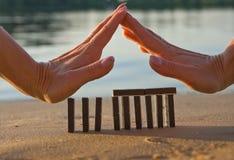 Domino et mains Image libre de droits