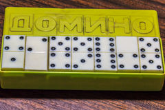 Domino ` s im Kasten Stockbilder