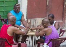 Domino'sspelers in Havana, Cuba Stock Afbeeldingen