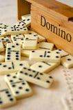 Domino su fondo bianco immagine stock