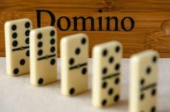 Domino su fondo bianco immagini stock