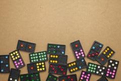 Dominos auf Draufsicht Stockbild