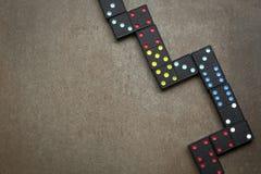Dominos sur la vue aérienne d'ardoise Photographie stock