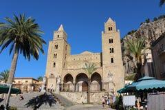 Domkyrka av Cefalà ¹ i Sicilien Royaltyfria Bilder