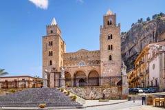 Domkyrka av Cefalu, Sicilien, Italien Fotografering för Bildbyråer