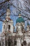 Domkyrka av den stora martyren Catherine Kingisepp Den ortodoxa kyrkan i Ryssland Arkivfoton