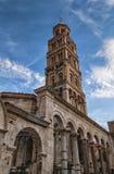 Domkyrka av helgonet Domnius, Dujam, Duje, klockatorn i den gamla staden, splittring, Kroatien arkivbild