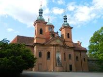 Domkyrka av helgonet Lawrence, PetÅ™Ãn, Prague Royaltyfria Bilder