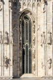 Domkyrka av Milan - högt fönster Royaltyfri Foto