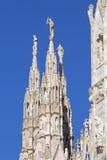 Domkyrka av Milan – tornspira av framdelvänstersidahörnet Royaltyfri Foto