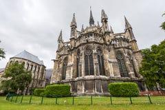 Domkyrka av Reims - yttersida Arkivbild