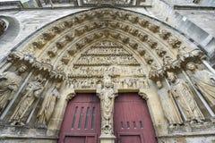 Domkyrka av Reims - yttersida Arkivbilder