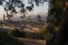 Domkyrka av Santa Maria del Fiore på solnedgången, Florence Arkivbilder