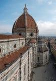 Domkyrka av Santa Maria del Fiore, sikt från det Giotto tornet Arkivfoto