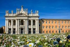 Domkyrka av St John det baptistiskt på den Lateran kullen i Rome arkivfoton