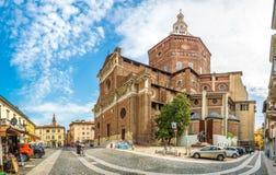 Domkyrka av St Stephen i Pavia royaltyfri fotografi