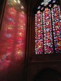 Domkyrka Blois, Frankrike, stainedglassfönster, kyrka, ljus, 'раж, ½ иÐΜ, ‡ för Д уÑ, 'för Ð-² Ð¸Ñ för 'ражÐΜÐ för Ð-¾ Ñ Royaltyfri Fotografi