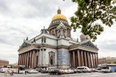 Domkyrka för helgonIsaac ` s den största ryska ortodoxa domkyrkan i St Petersburg, Ryssland Royaltyfri Fotografi