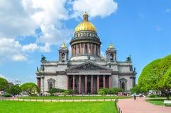 Domkyrka för ` s för St Isaac, St Petersburg, Ryssland arkivbild