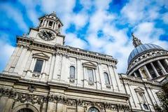 Domkyrka för Saint Paul ` s i London, England Fotografering för Bildbyråer