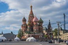 Domkyrka för St-basilika` s i Moskva arkivbild