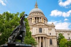 Domkyrka för St Pauls London England Arkivbild